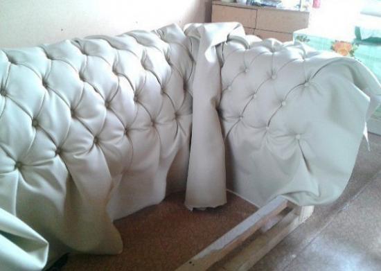 Как сделать диван в каретной стяжке своими руками?